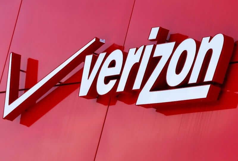 Verizon.com/payonline to make a single payment