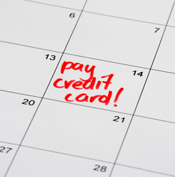 how long does a late payment stay on your credit report photo - 1